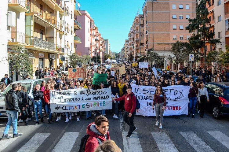 Fridays for future Civitavecchia in piazza a Roma per il clima