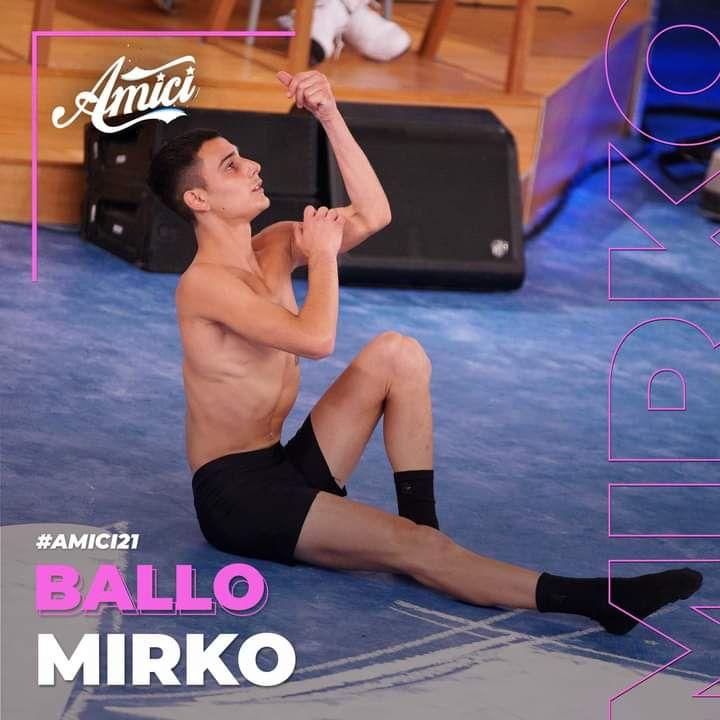 Allumiere tifa per il giovane Mirko Masia, concorrente di Amici