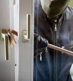 Tornano i ladri d'appartamento:     i cittadini chiedono maggiore sicurezza