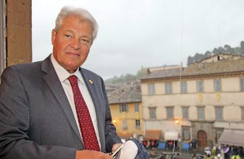 Acquapendente, il sindaco Ghinassi vieta la vendita di alcolici dopo le 19